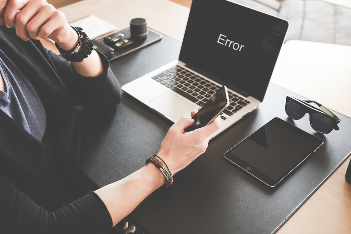 Laptop shows error message