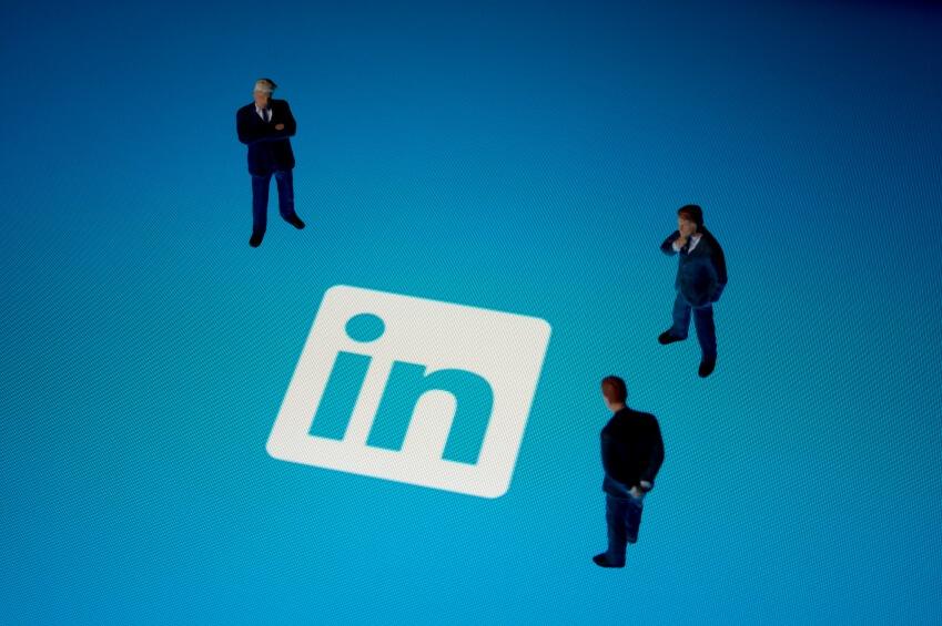 LinkedIn_eBook_Download_iStock_000045411658_Small_FINAL.jpg