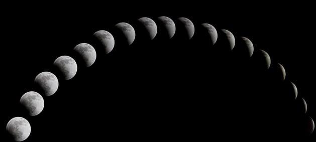 a-total-solar-eclipse-1113799_1280.jpg