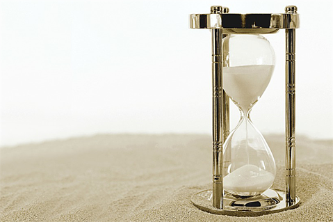 What should you do in the first 60 minutes of a PR crisis?